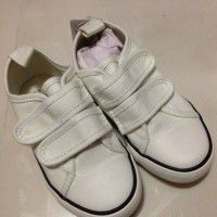 Baby shoes and clothes x 5 pcs
