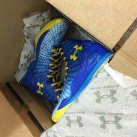 UA shoe x 1