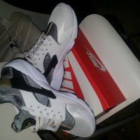 sneakers x 1