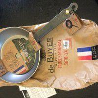 1 De Buyer iron frying pan